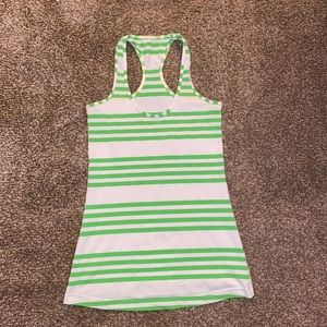 ✨MOVING SALE✨ Lululemon running tank top size 6